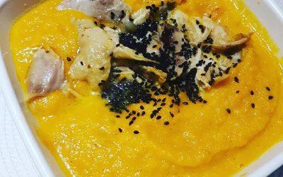 Zupa krem z marchewki i kurkumy