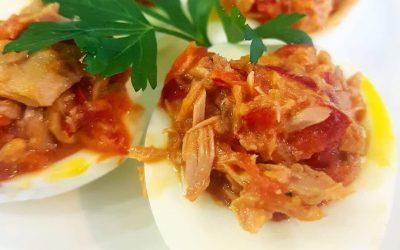 Faszerowane jaja z tuńczykiem